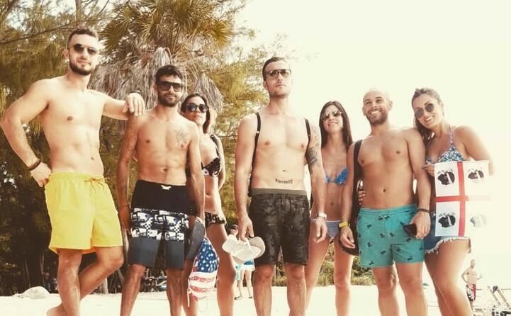 un gruppo di olbiesi alle keywest in florida