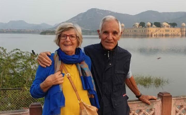 carissimi saluti agli amici dell unione sarda da jaipur in india da paolo e margherita