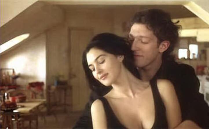 con monica bellucci sul set del film l appartamento i due si sposeranno
