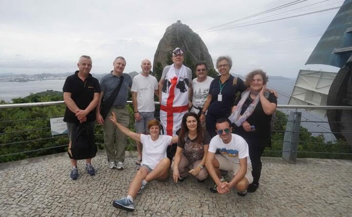 foto di gruppo del viaggio brasile express coordinato da giorgio mannu di cagliari con silvano livio vinicio mauro magali adelis lola arianna e marco