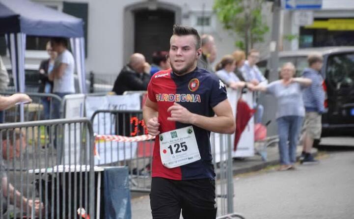 gianluca arba di san basilio alla maratona di colonia in germania