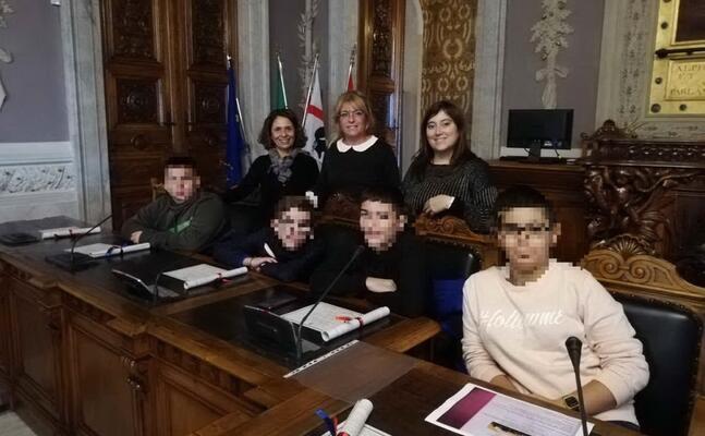 i ragazzi a palazzo regio (foto l unione sarda serreli)