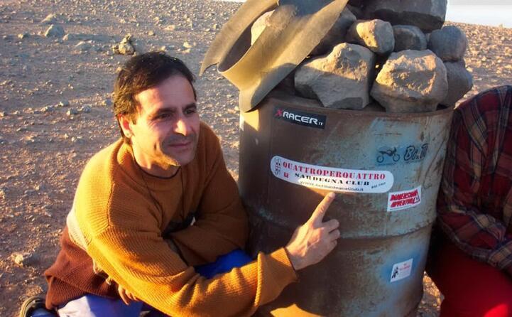 ignazio e un momento di riposo nel deserto del sahara