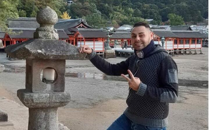 un saluto dall isola di miyajima in giappone forza casteddu il messaggio di angelo da cagliari