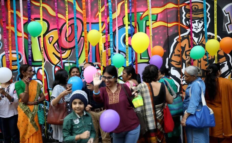 in india un murale per sottolineare l importanza della sicurezza a casa (ansa)
