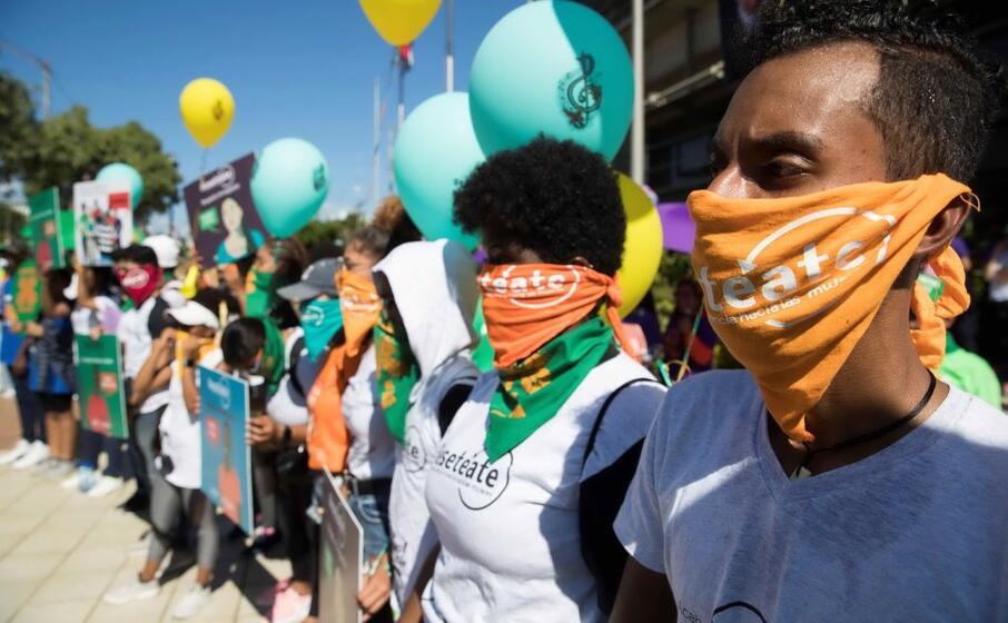 manifestazione contro la violenza sulle donne a santo domingo (ansa)