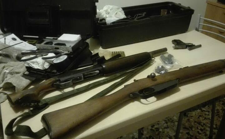 trovati anche diversi fucili