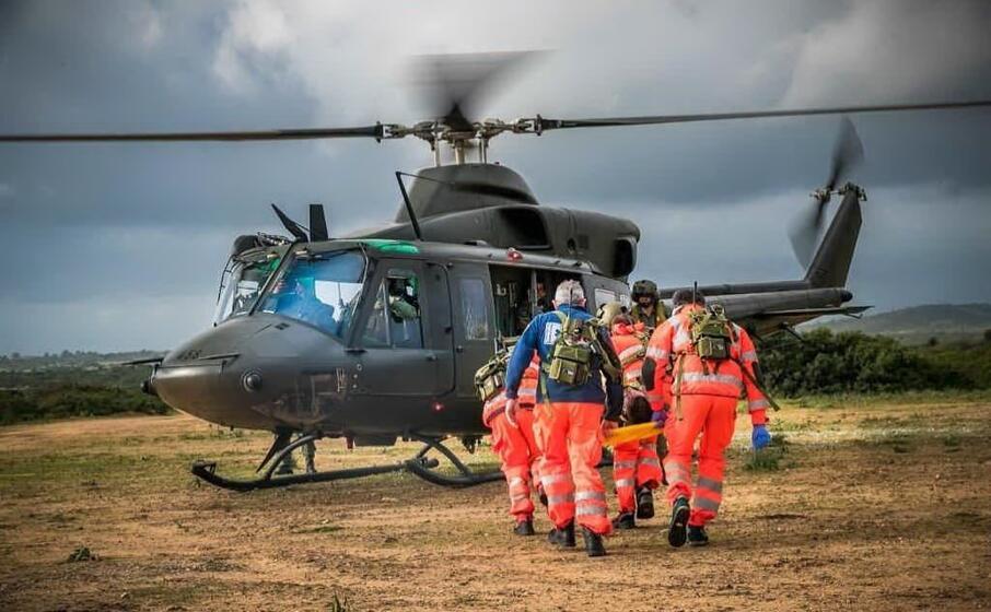 capo teulada in azione militari forze dell ordine e specialisti del soccorso