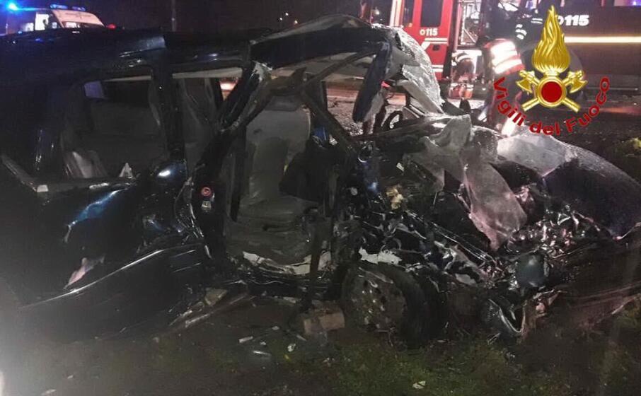 le auto distrutte (ansa)