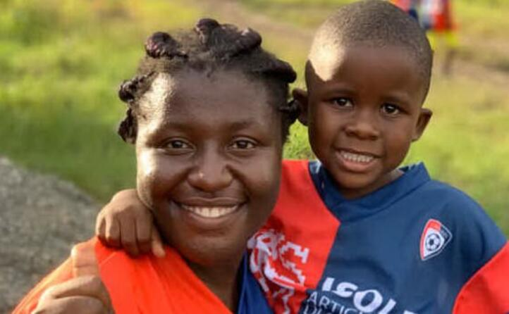 tanti sorrisi nel viaggio dei due giovani di muravera in uganda