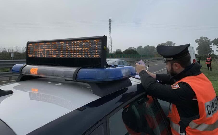 il posto di blocco dei carabinieri (foto antonio serreli)