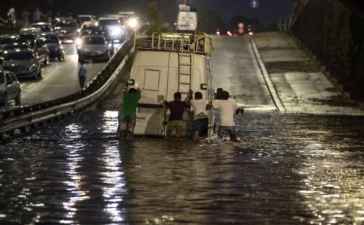 roma allagata dalle piogge