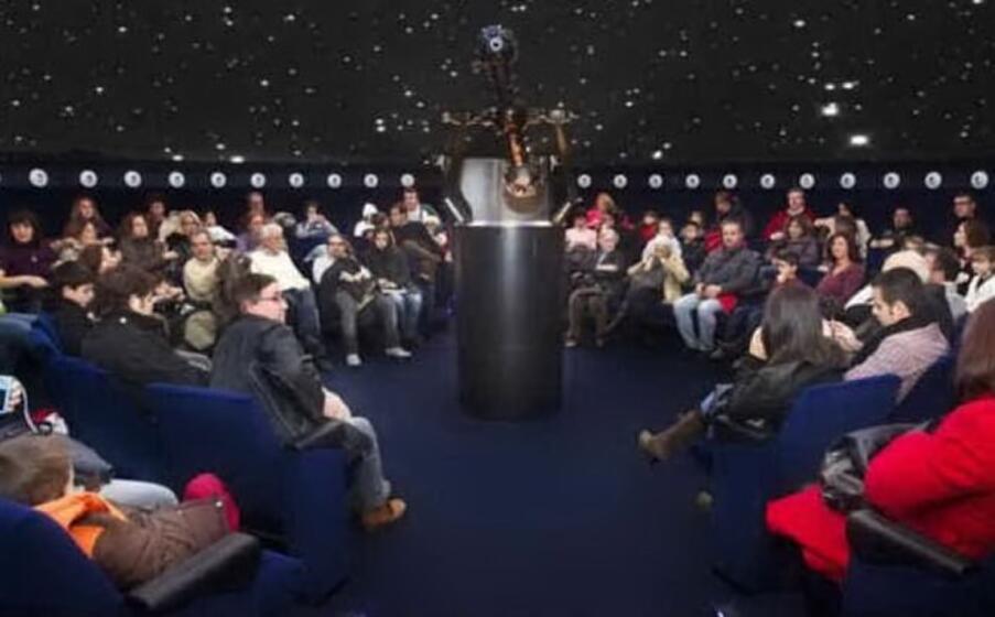 un incontro al planetario (archivio l unione sarda)