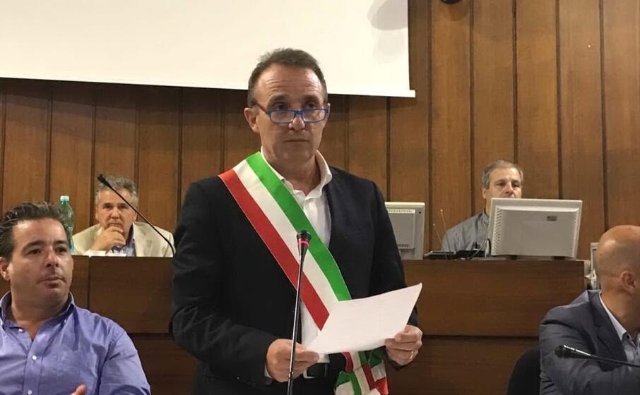 il sindaco lutzu (foto l unione sarda lutzu)