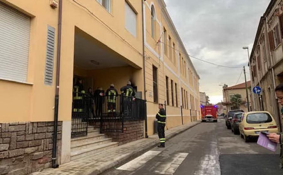 la scuola e i vigili del fuoco (foto s pinna)
