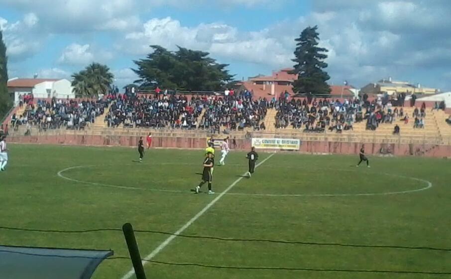 una partita di calcio regionale (foto giacomo pala)