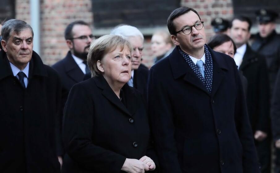 angela merkel e il primo ministro polacco mateusz morawiecki
