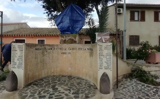 il monumento ai caduti (l unione sarda foto pinna)