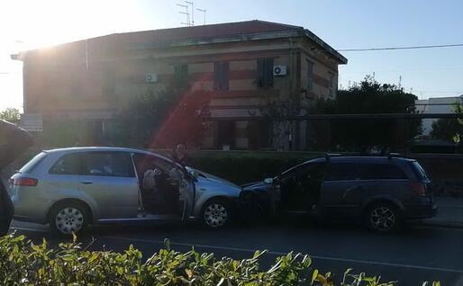 L'incidente alla fine dell'inseguimento (foto L'Unione Sarda - Pintori)