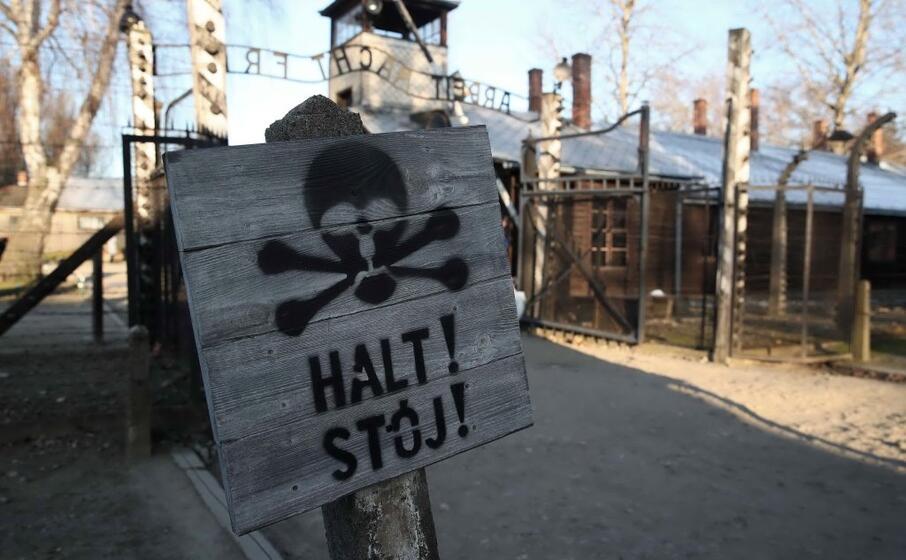 l ultimo primo premier tedesco a visitare un campo di concentramento fu helmut kohl