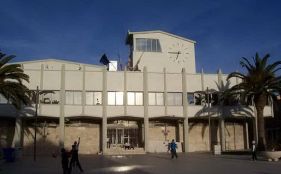 il comune di porto torres (foto l unione sarda pala)