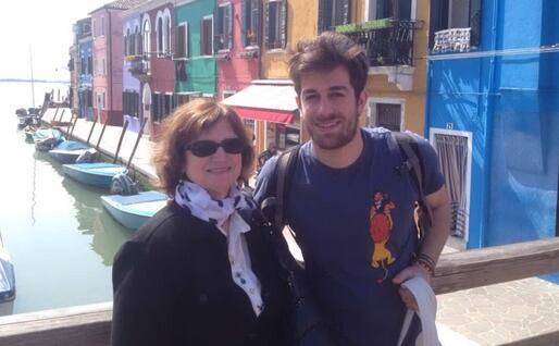 Gian Marco Nuvoli con mamma Tonina (foto concessa dall'intervistato)