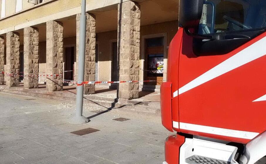 l intervento dei vigili del fuoco (l unione sarda foto scano)
