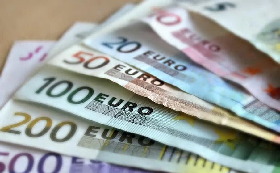 banconote (foto pixabay)