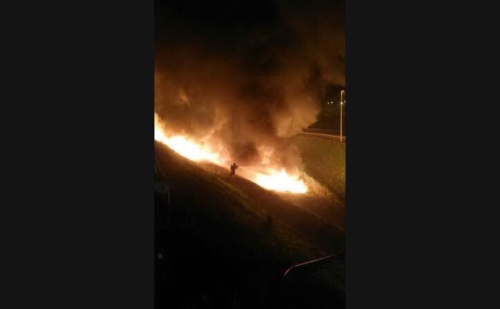 nell impatto scoppiato un grosso incendio