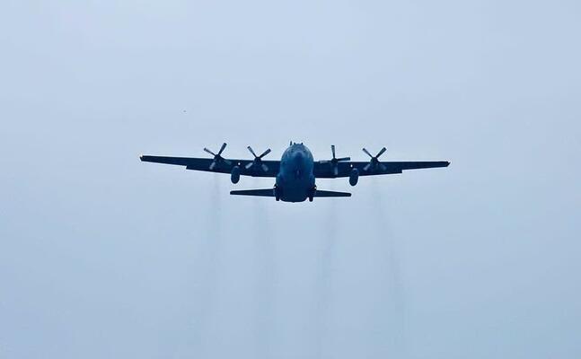 un aereo (foto pixabay)