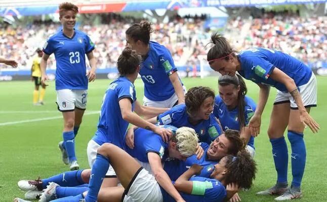 la nazionale di calcio femminile (ansa)
