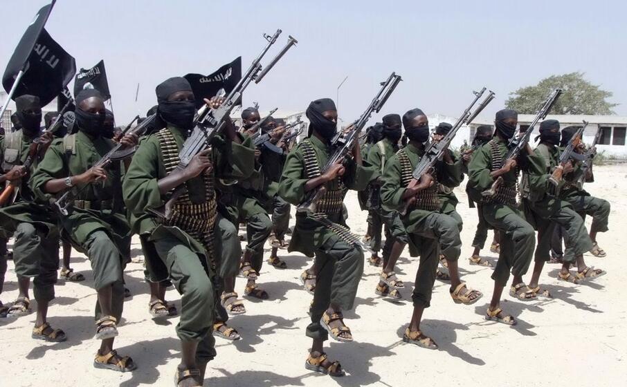 miliziani di al shabaab (archivio l unione sarda)