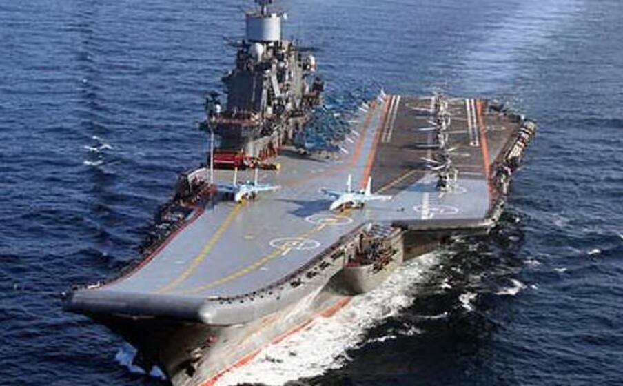 Russia, incendio sulla portaerei Ammiraglio Kuznetsov: feriti e un disperso