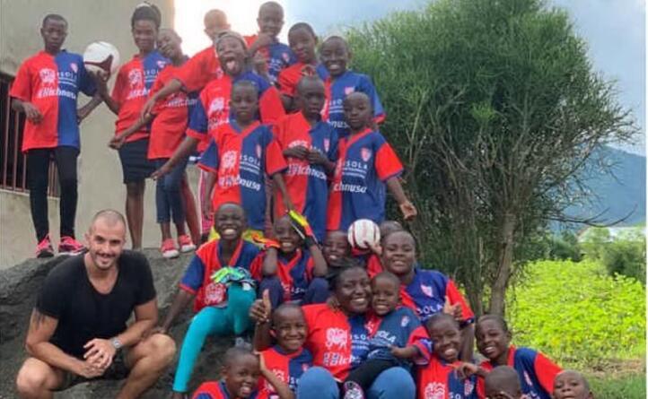 saluti dall orfanotrofio hopeworth children s foundation a lasese uganda lo scatto arriva da emanuele tocchetti e marco farci