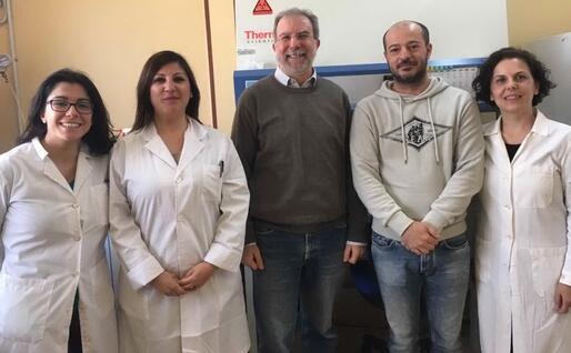 Il gruppo di ricerca: da sinistra, Angela Corona, Francesca Esposito, Enzo Tramontano, Pierluigi Cortis, Cinzia Sanna