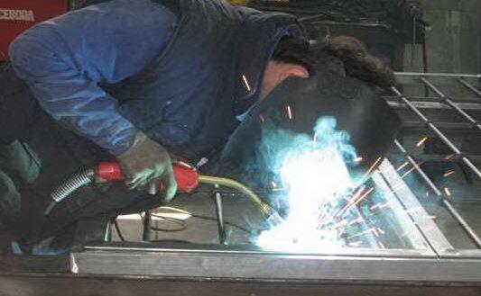 industria metallurgica foto simbolo (archivio l unione sarda)