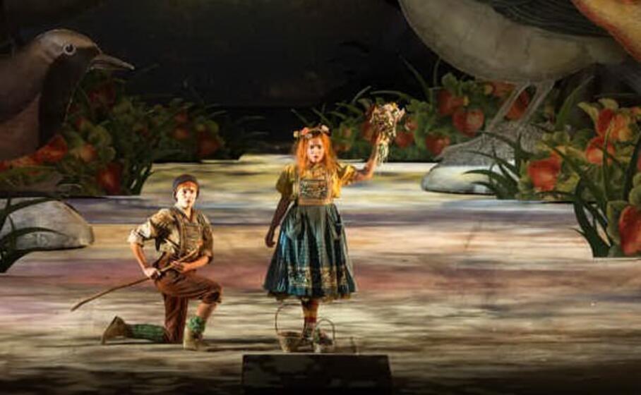 un immagine dallo spettacolo (foto laura granelli per concessione teatro lirico)