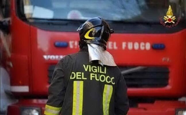vigili del fuoco (archivio l unione sarda)