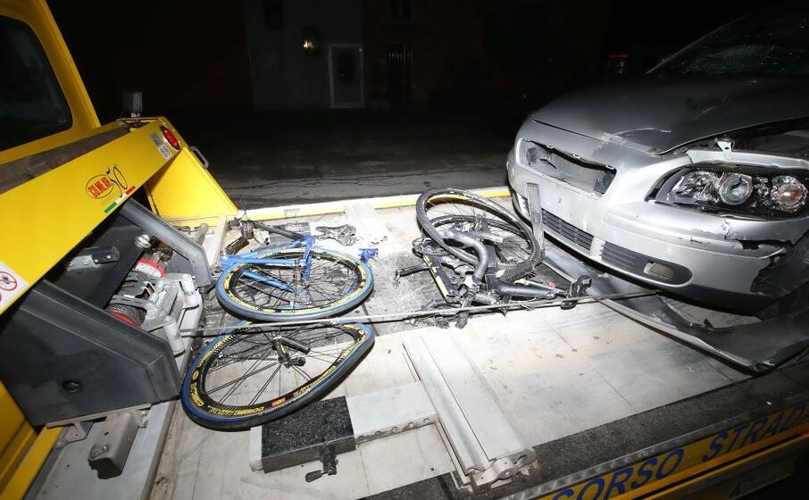 le bici dopo l incidente (ansa)