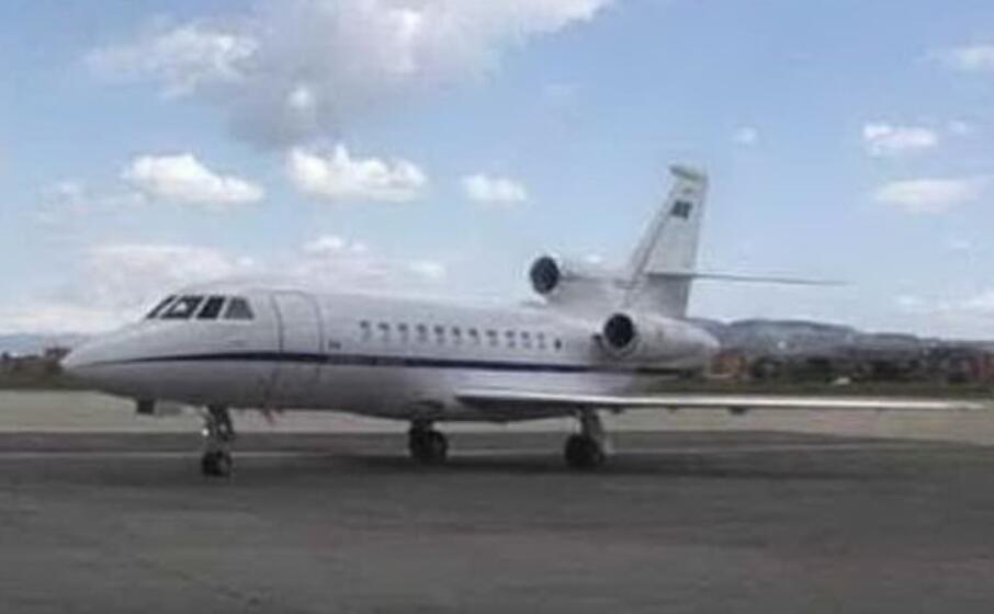 un falcon utilizzato per i trasporti sanitari urgenti (foto aeronautica militare)