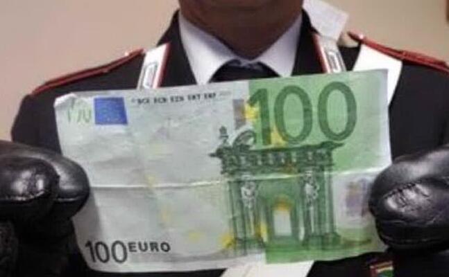 una delle banconote false (l unione sarda foto pintori)