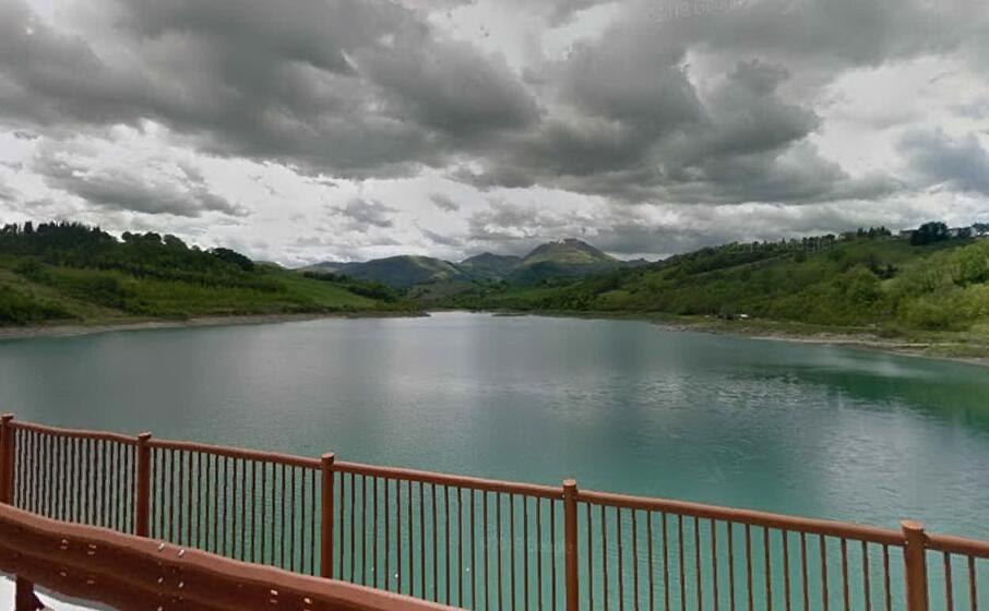 il lago di castreccioni (google maps)