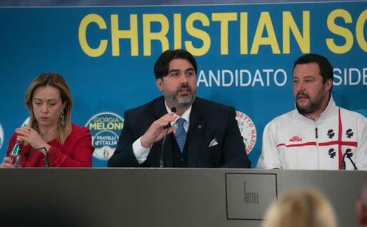 Con Solinas e Salvini durante la campagna per le regionali (Ansa)