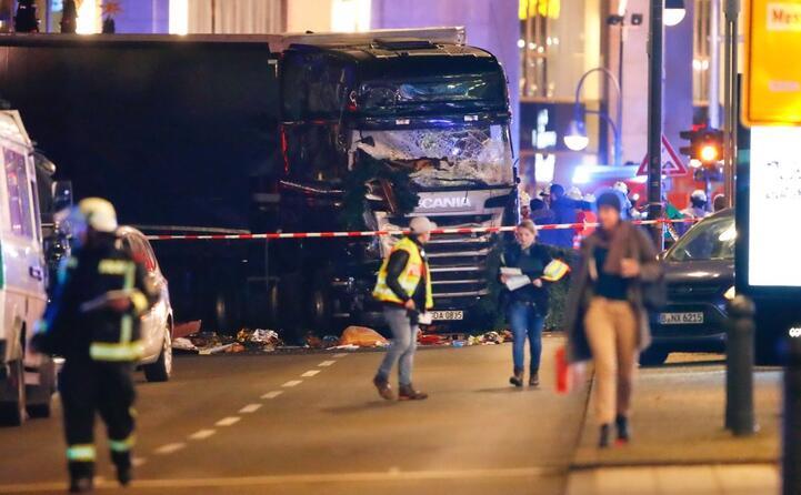 accaddeoggi 19 dicembre 2016 12 morti nell attentato di berlino
