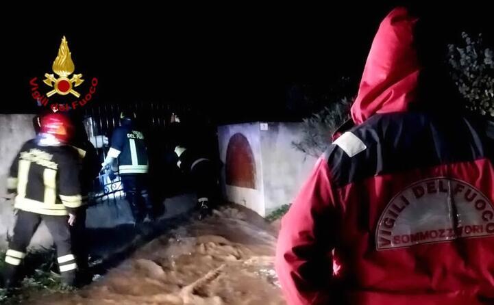 maltempo il sud sardegna sotto acqua e fango