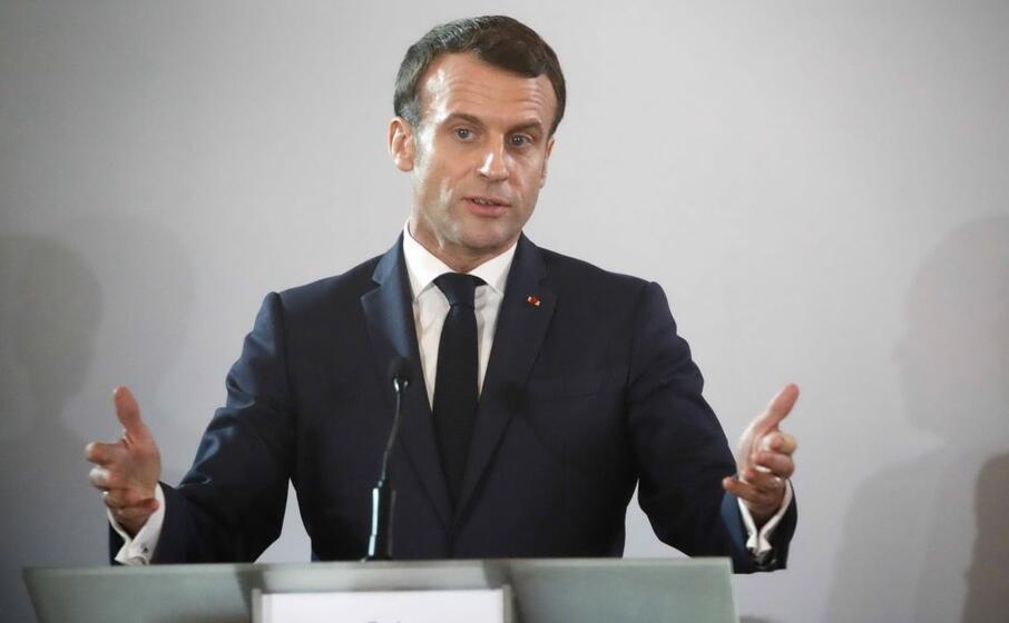Macron rinuncia alla futura pensione da ex presidente
