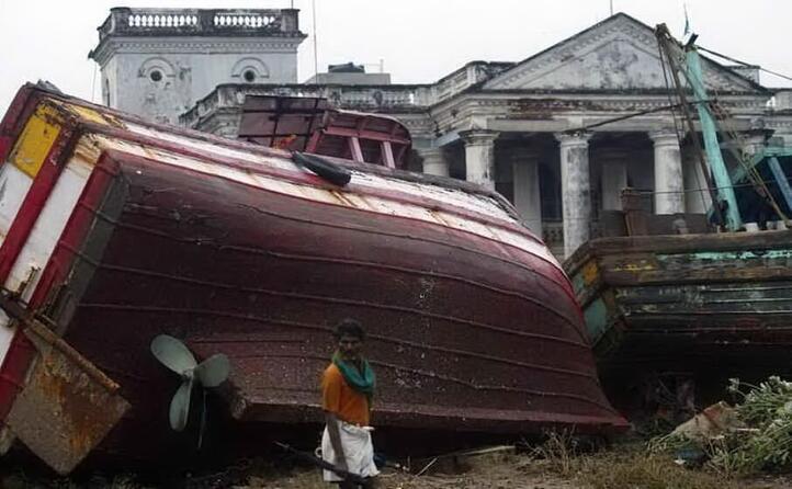 la pi colpita l indonesia almeno 170mila morti