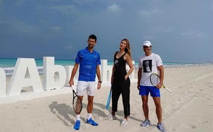 il numero uno del tennis mondiale novak djokovic ad abu dhabi