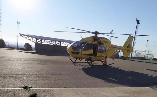 l elicottero dell areus atterra al campo sportivo di santu lussurgiu (foto joseph pintus)