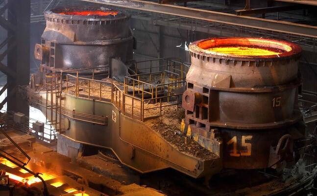 un altoforno dell acciaieria (ansa)